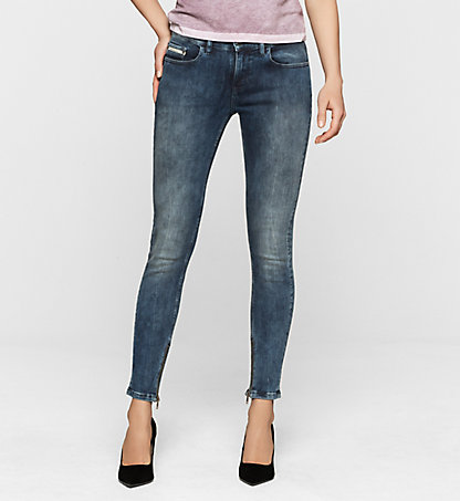 CALVIN KLEIN JEANS Mid Rise Super Skinny Ankle Jeans J20J200418915