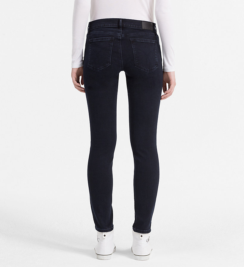CALVIN KLEIN JEANS Mid-Rise Skinny-Jeans - WONDER RINSE - CALVIN KLEIN JEANS KLEIDUNG - main image 1
