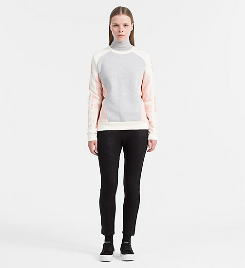 CALVIN KLEIN JEANS Sportief sweatshirt met logo - LIGHT GREY HEATHER / PEACHY KEEN / EGRET - CALVIN KLEIN JEANS SWEATSHIRTS - detail image 1