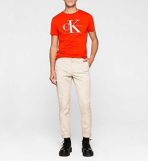 Regular Logo-T-Shirt - FIERY RED WASHED - CK JEANS T-SHIRTS - main image 1