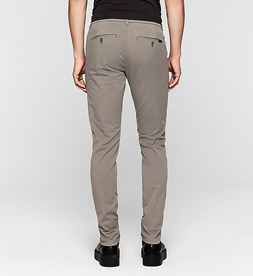 Pantaloni chino regular - BRUSHED NICKEL - CK JEANS PANTALONI - dettaglio immagine 1