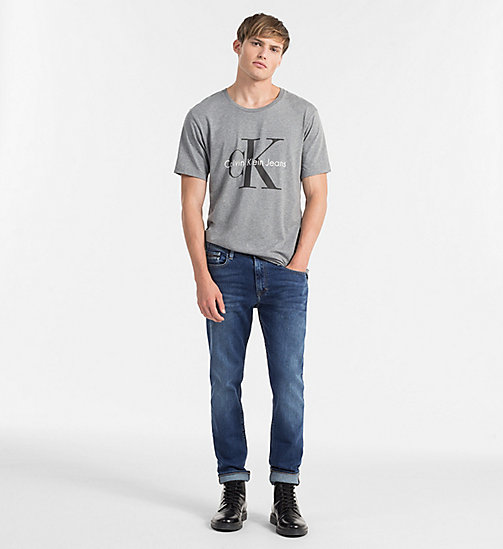 Camiseta regular con logo - LIGHT GREY HEATHER - CK JEANS CAMISETAS - imagen detallada 1