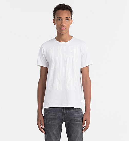 CALVINKLEIN Tailliertes T-Shirt mit Print - PERFECT WHITE - CALVIN KLEIN WORK TO WEEKEND - main image
