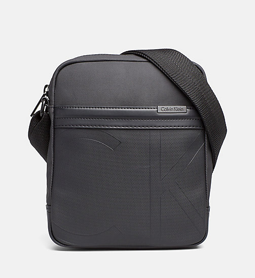CALVINKLEIN Gecoate canvas reportertas - BLACK - CALVIN KLEIN CARRIED AWAY - main image