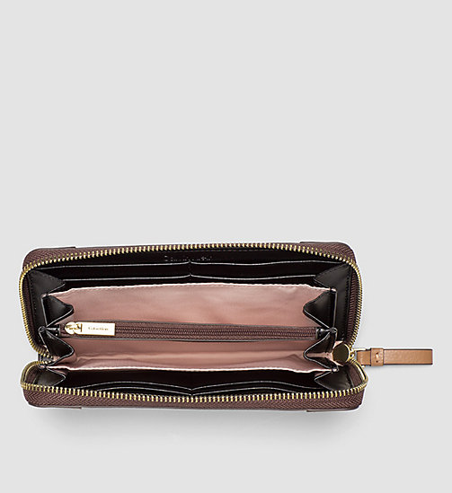 Large Leather Ziparound Wallet - CARAMEL - CALVIN KLEIN  - detail image 1