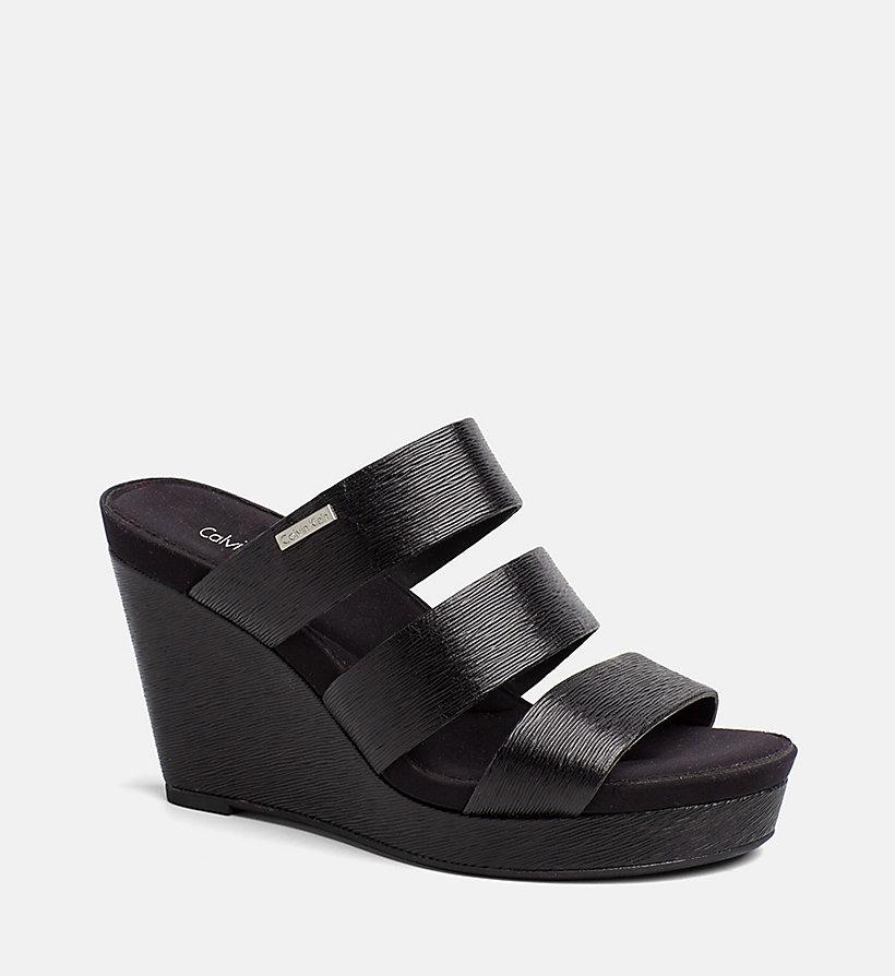 saffiano sandalen mit keilabsatz calvin klein 00000e6547blk. Black Bedroom Furniture Sets. Home Design Ideas