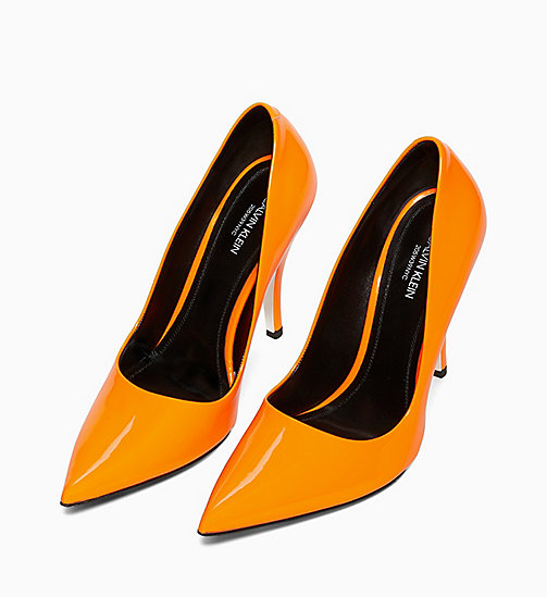 205W39NYC High Heel Pumps aus Lackleder - ORANGE - 205W39NYC SCHUHE & ACCESSOIRES - main image 1