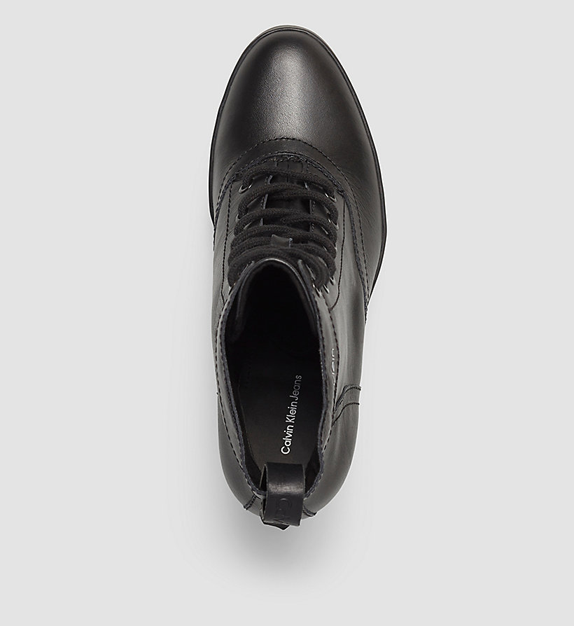 geschn rte ankle boots aus leder calvin klein 0000re9617. Black Bedroom Furniture Sets. Home Design Ideas