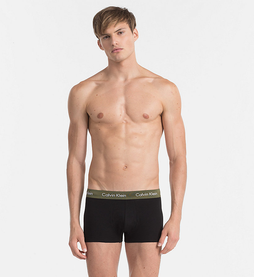 CALVINKLEIN Lot de 3 boxers taille basse - Cotton Stretch - BLACK W/ GENOA/ BLACK W/ RED HEAT/ BLACK - CALVIN KLEIN SOUS-VÊTEMENTS - image détaillée 4