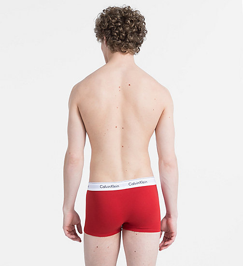 CALVINKLEIN 2 Pack Trunks - Modern Cotton - MANIC RED/BLACK - CALVIN KLEIN NEW FOR MEN - detail image 1