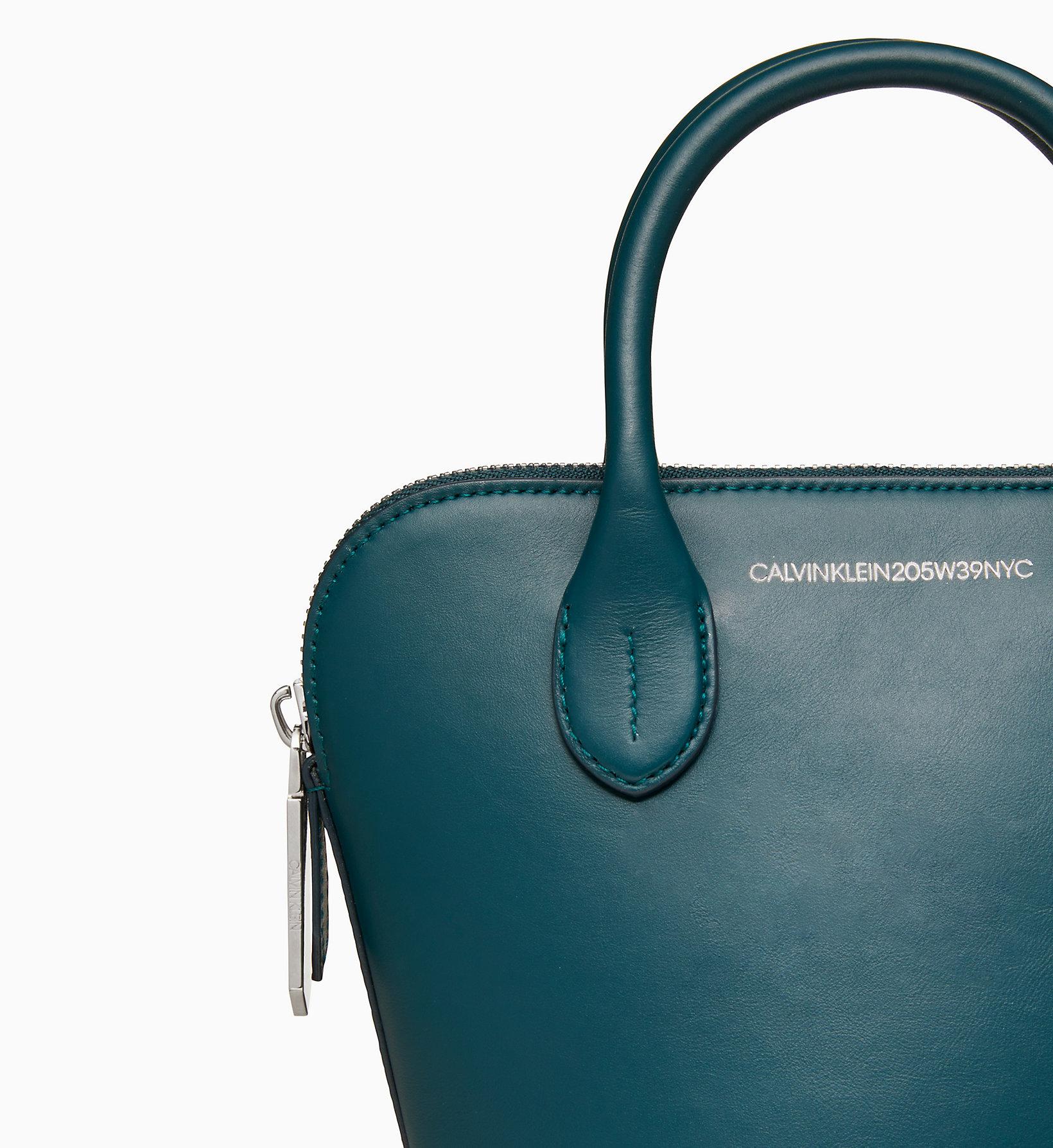 a58b68c80d12 Kleine Bucket-Bag aus Nappaleder Calvin Klein®