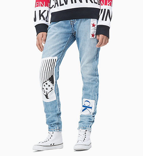 CALVIN KLEIN JEANS Tapered Patch Jeans - BRENTON AUTHENTIC PRINT RIGID - CALVIN KLEIN JEANS HERREN - main image
