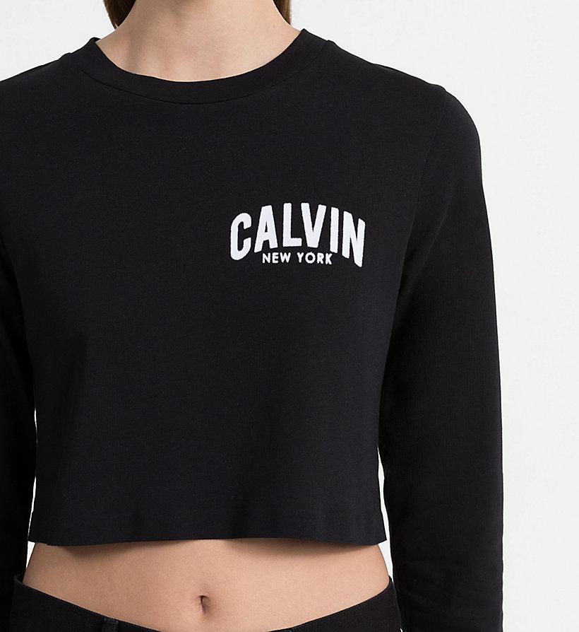 cropped logo t shirt calvin klein j20j207061112. Black Bedroom Furniture Sets. Home Design Ideas