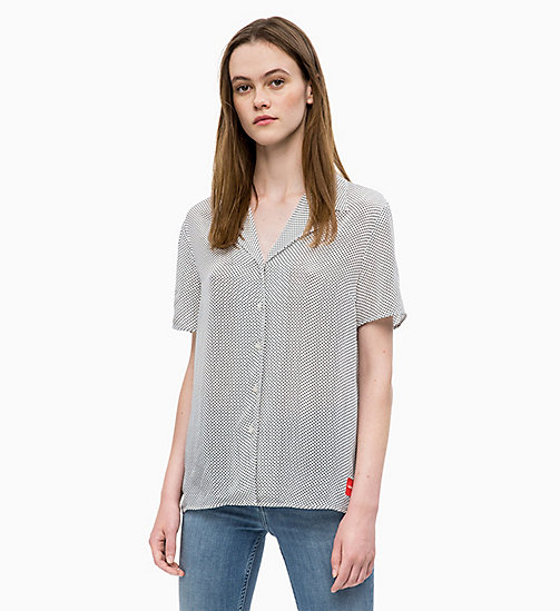 -50% CALVIN KLEIN JEANS Printed Short Sleeve Shirt - STAR AOP BLACK EGRET - CALVIN  KLEIN ... a24e1bfebe43