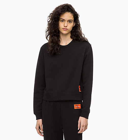 CALVIN KLEIN JEANS Sweat-shirt avec insigne - CK BLACK / PUMPKIN RED - CALVIN KLEIN JEANS IN THE THICK OF IT FOR HER - image principale