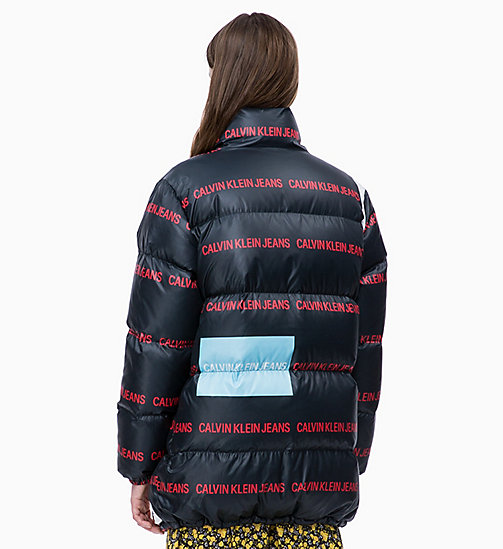 CALVIN KLEIN JEANS Multi-Logo-Pufferjacke mit Daunenfutter - CK BLACK/ LOGO AOP - CALVIN KLEIN JEANS IN THE THICK OF IT FOR HER - main image 1