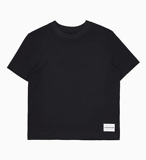 b858e6160d94fa £35.00Straight Logo Badge T-shirt