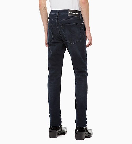 CALVIN KLEIN JEANS CKJ 026 Slim Jeans - CORELLA BLUE BLACK (BRUSHED) - CALVIN KLEIN JEANS IN THE THICK OF IT FOR HIM - image détaillée 1