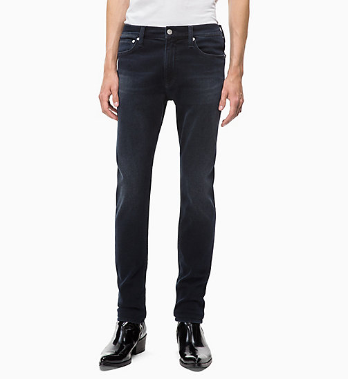 CALVIN KLEIN JEANS CKJ 026 Slim Jeans - CORELLA BLUE BLACK (BRUSHED) - CALVIN KLEIN JEANS IN THE THICK OF IT FOR HIM - image principale