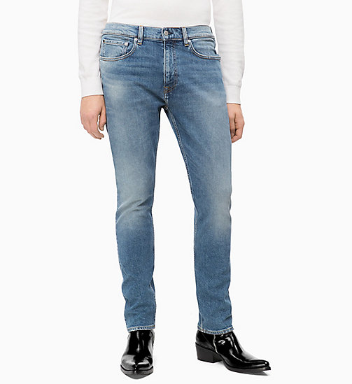 CALVIN KLEIN JEANS CKJ 056 Athletic Tapered Jeans - GERALDTON BLUE - CALVIN KLEIN JEANS The New Off-Duty - image principale