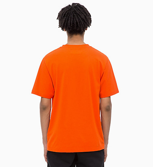 CALVIN KLEIN JEANS Embossed Logo T-shirt - PUMPKIN RED - CALVIN KLEIN JEANS FALL DREAMS - detail image 1