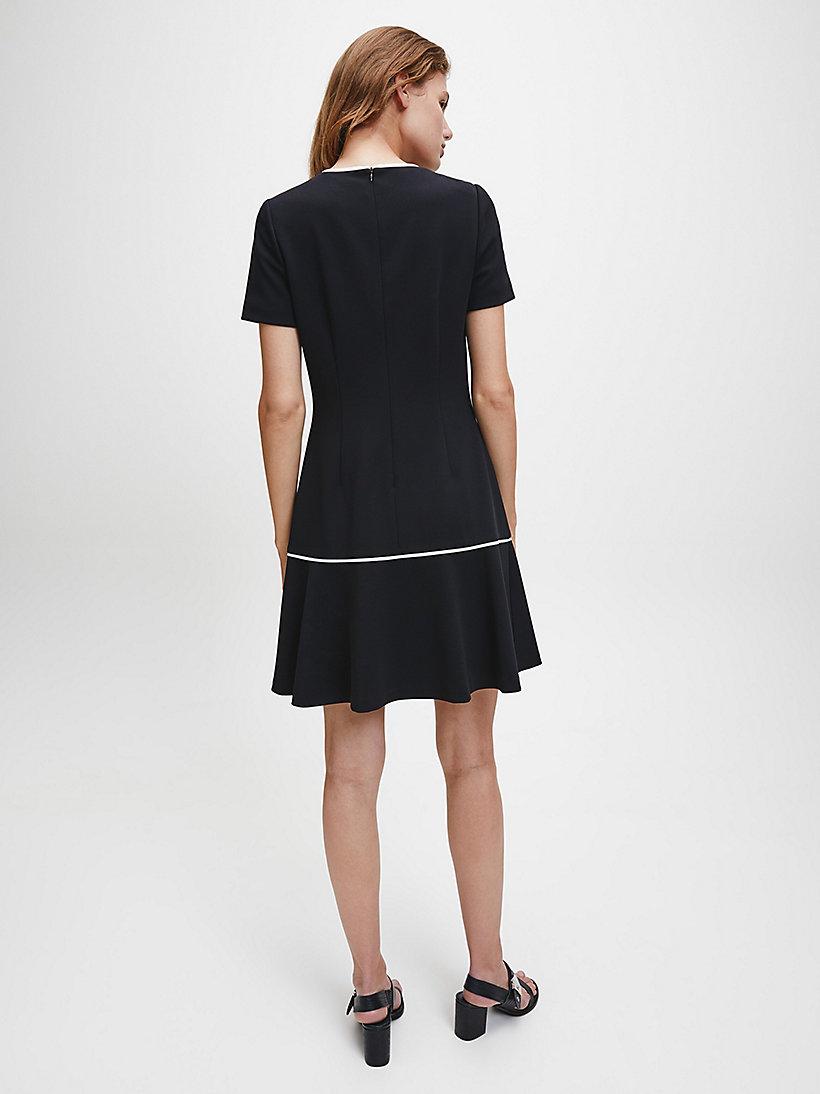 Schößchen-Kleid mit Kontrastborte