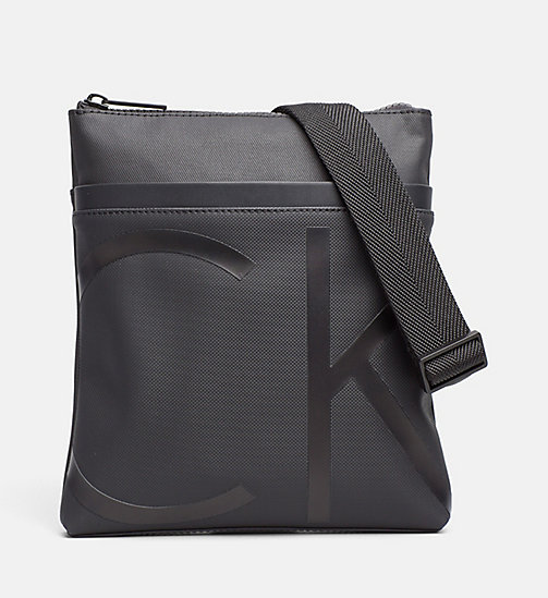 CALVINKLEIN Flache Crossover-Bag aus beschichtetem Canvas - BLACK -  CROSSOVER-BAGS - main image