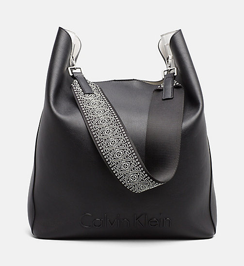 CALVINKLEIN Grand sac hobo - BLACK - CALVIN KLEIN TRUE COLOURS - image principale