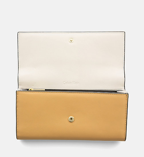 CALVINKLEIN Large Leather Trifold Wallet - TOAST - CALVIN KLEIN BAGS & ACCESSORIES - detail image 1