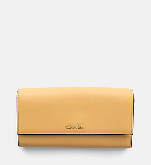 CALVINKLEIN Large Leather Trifold Wallet - TOAST - CALVIN KLEIN WALLETS - main image