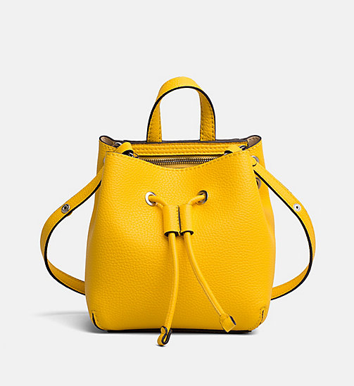 CALVIN KLEIN JEANS Kleine Bucket-Bag - CANARY - CALVIN KLEIN JEANS NEW IN - main image