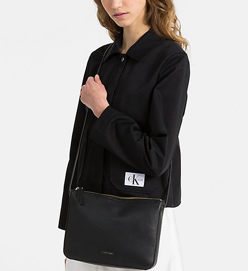 CALVINKLEIN Crossover-Bag aus Leder - BLACK - CALVIN KLEIN NEW IN - main image 1