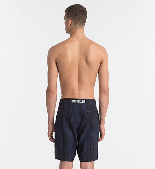 CALVINKLEIN Boardshort - Intense Power - IKAT BLUE SHADOW - CALVIN KLEIN LOGO SHOP - image détaillée 1